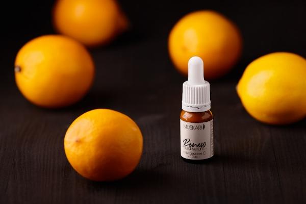 """Обновляющая сыворотка для лица """"Renew"""" с витамином С"""